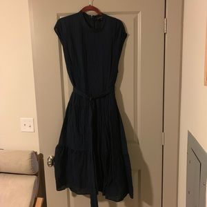 Beautiful navy crinkle dress with removable belt